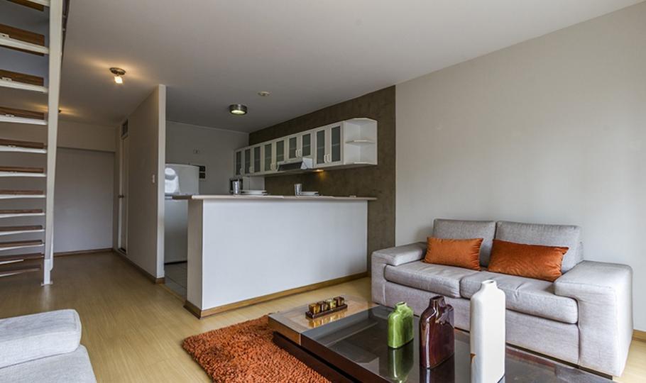 Alquiler de departamento duplex amoblado en Miraflores