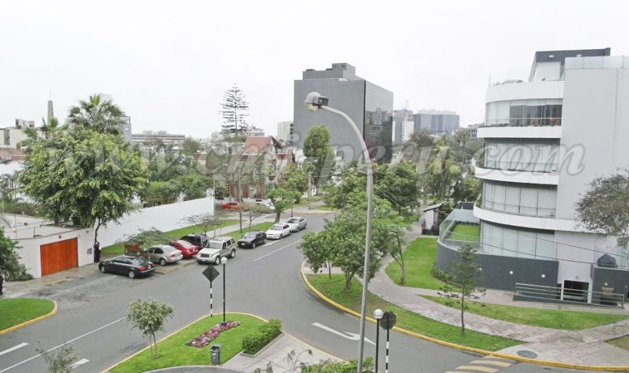 Venta de departamento amoblado en Miraflores